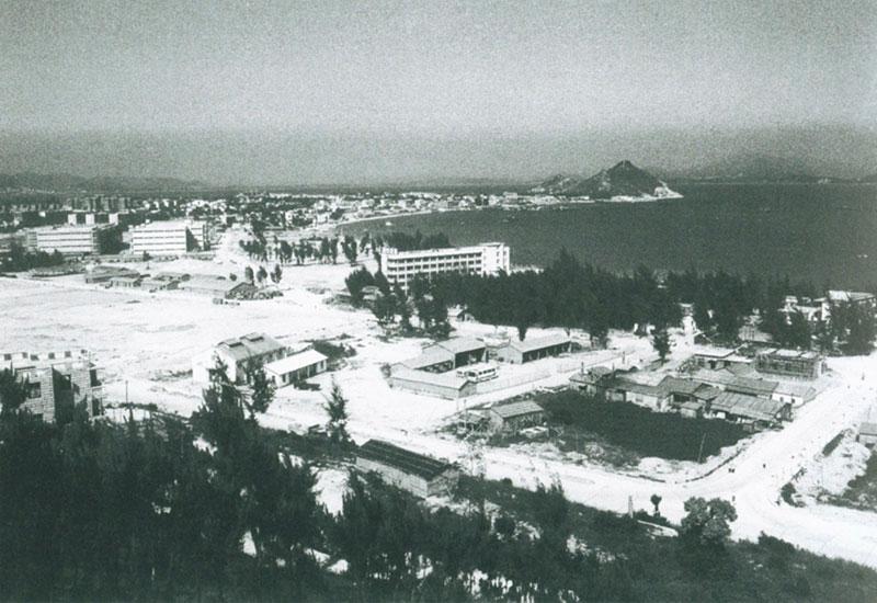 20世纪80年代的深圳蛇口工业区(资料照片).
