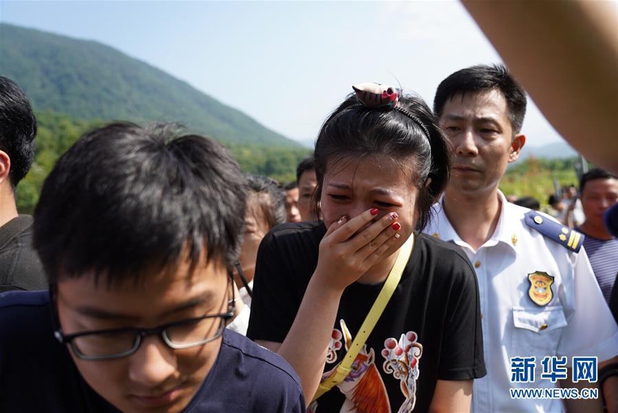 """(新华网)(3)江西""""驴友""""被困事件:4人死亡 失联人员已获救"""