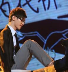 無臂鋼琴師劉偉