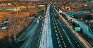 濟南正建設全球首條光伏高速公路?年底竣工通車發電