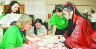 """第六届中俄""""长江—伏尔加河""""青年论坛在长开幕"""