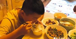 湖南瀏陽11歲男孩增重20斤 捐骨髓救父