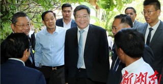 杜家毫率中共代表團對柬埔寨進行友好訪問