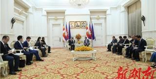 柬埔寨首相洪森會見杜家毫