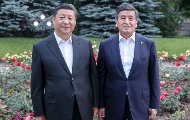 習近平會見吉爾吉斯斯坦總統熱恩別科夫