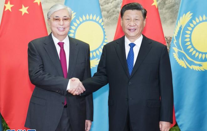 習近平同托卡耶夫一致決定 發展中哈永久全面戰略伙伴關系