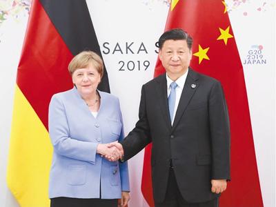 习近平同德国总理默克尔通电话