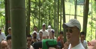 双牌:游客进山品竹酒